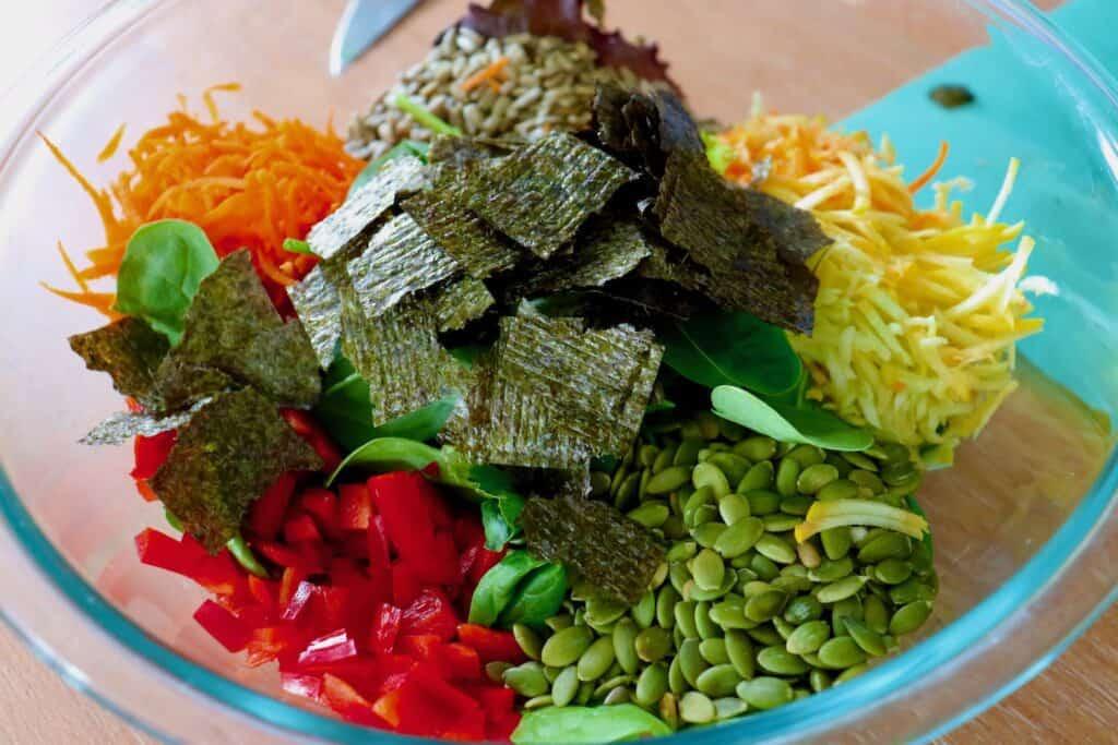 Mixed Greens Seaweed Salad Bowl