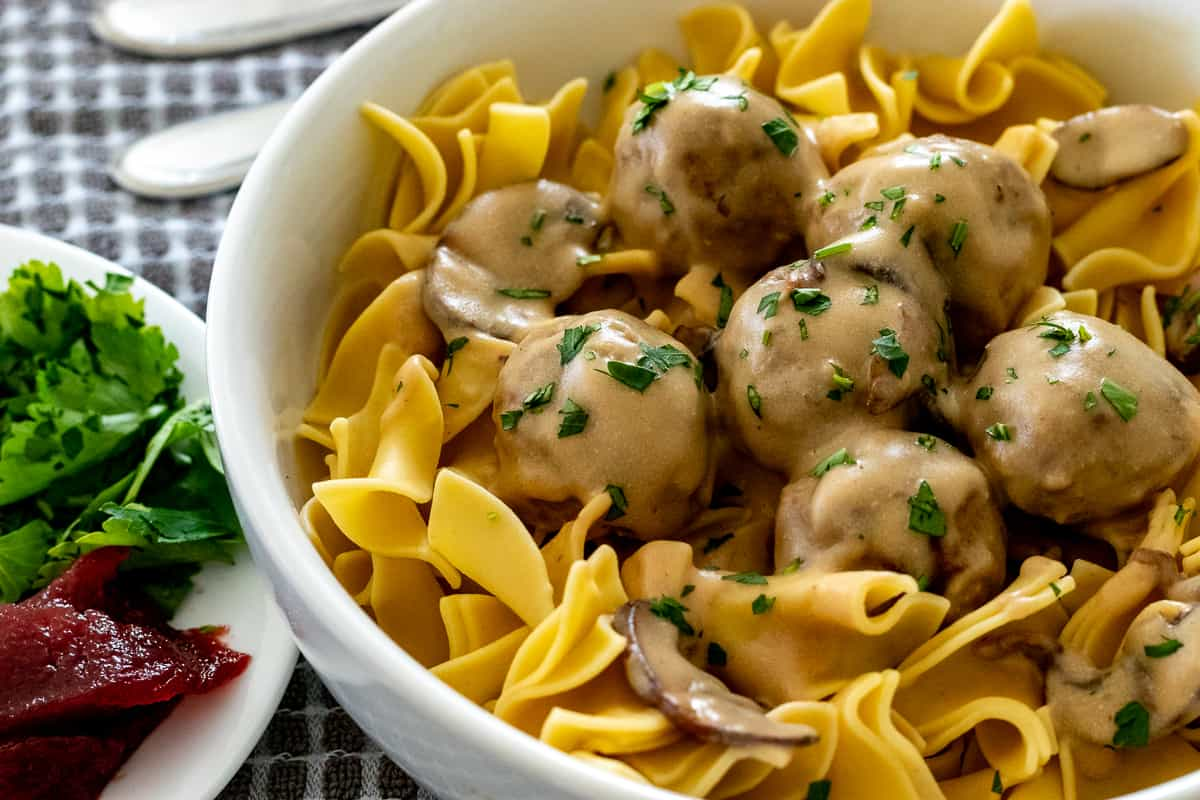 Swedish meatballs and egg noodles with raspberry jam