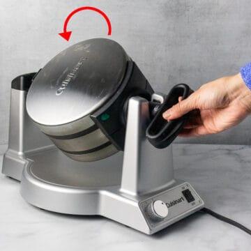 Flip waffle maker turning